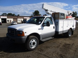 1999 Ford F-450 XL S/A Bucket Truck
