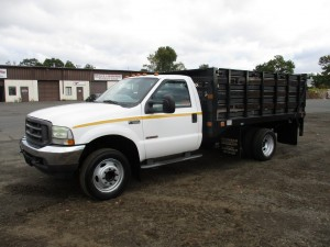 2004 Ford F-550 XL Flatbed Truck