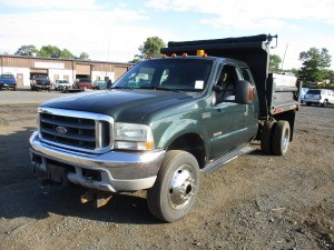 2003 Ford F-450 XLT S/A Dump Truck