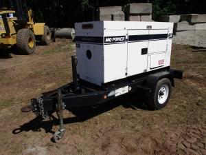 2005 MQ Whisperwatt 25KW Tow Behind Generator