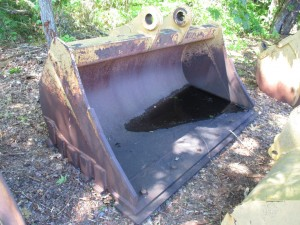 """Caterpillar 86"""" Cleanup Bucket With BOCE"""