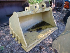 """Caterpillar 78"""" Cleanup Bucket With BOCE"""