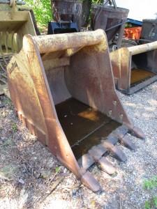 "WR 42"" Excavator Bucket With Teeth"